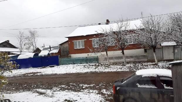 Жители Удмуртии поделились фотографиями первого снега