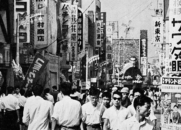 Винтажные фото токийского квартала «красных фонарей» Кабуки-тё