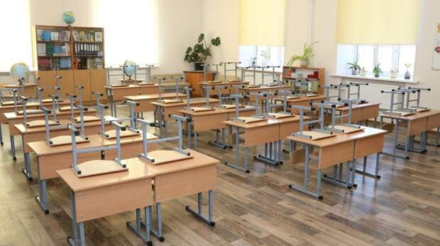 Неизвестные устроили стрельбу в здании школы в Казани