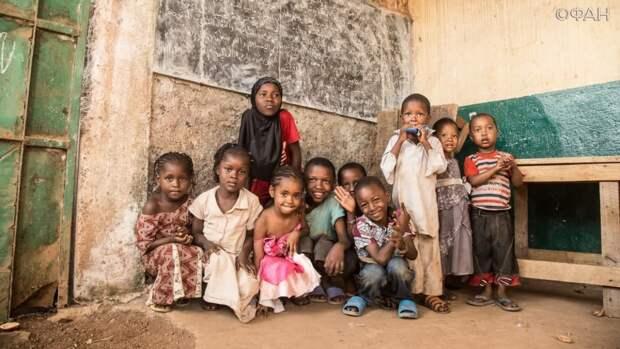Франция требует вернуть закупленные для победителей детского конкурса в ЦАР призы