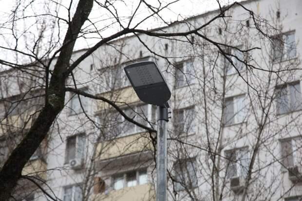 Освещение на детской площадке по Соколово-Мещерской сделают до конца года