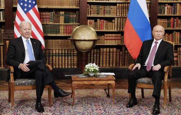 Опрос: Среди республиканцев вСША Путин популярней Байдена