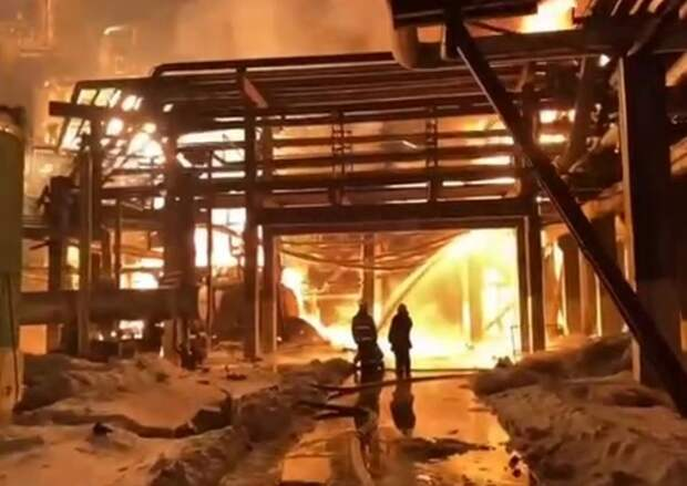 На заводе в Уфе произошёл крупный пожар