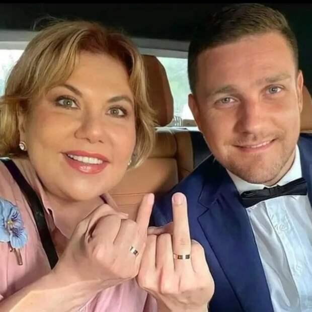 Знакомство с мужем помогло Марине Федункив преодолеть алкогольную зависимость