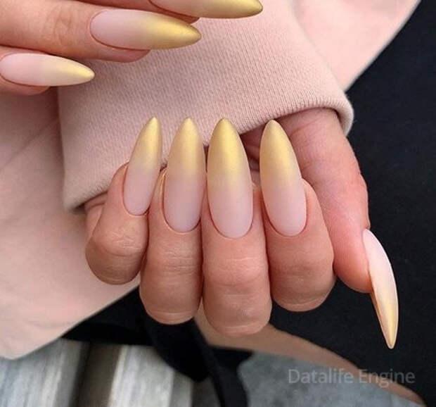 Френч на миндалевидных ногтях 2022: фото маникюра, новинки с дизайном, модные тенденции, тренды