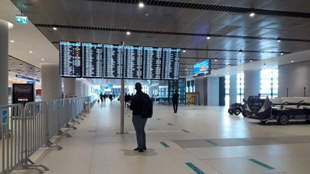 """Российские туристы назвали """"грабежом"""" цены на перелеты из Стамбула в Москву"""