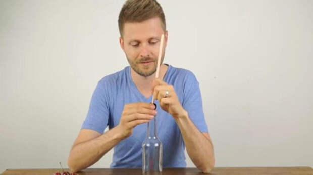 Удалить косточку из вишни: домашняя хитрость с простой бутылкой