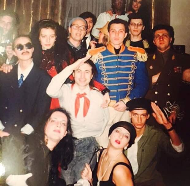 Звезды во флешмобе «Остров 90-х»