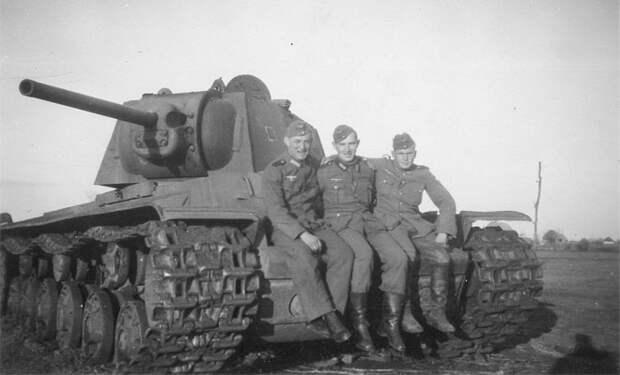 Советские трофеи: оружие и техника СССР, которые были в цене у солдат Рейха