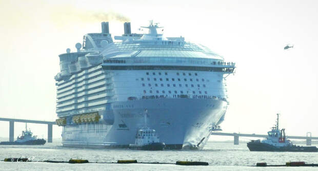 Королева водоизмещения. Как устроен самый большой в мире круизный лайнер. Symphony of the seas.