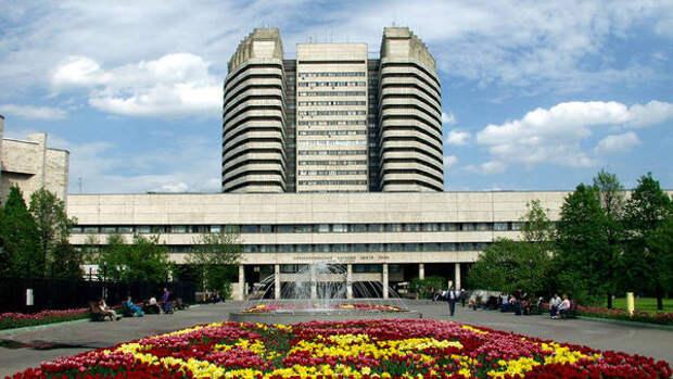 Российские онкологи удалили у пациента опухоль весом 48,5 кг