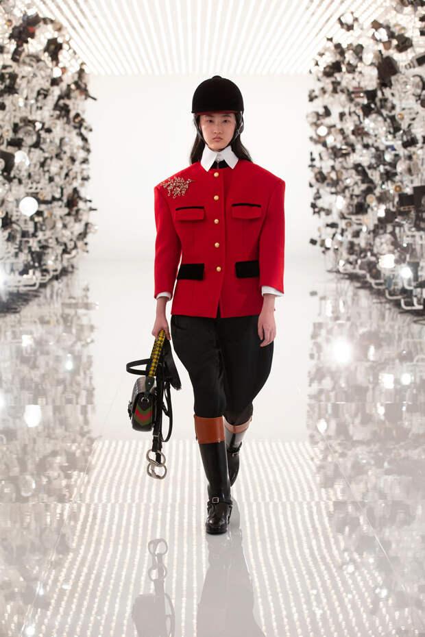 Всё смешалось в доме Gucci и Balenciaga: разбираем коллекцию Aria