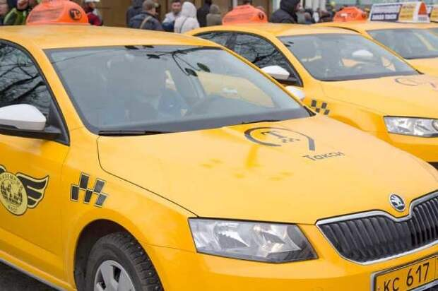 Таксиста ранили ножом в «новой Москве»