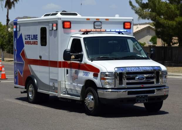 Оператор экстренной службы, перенесшая COVID, умерла после 16-часовой смены