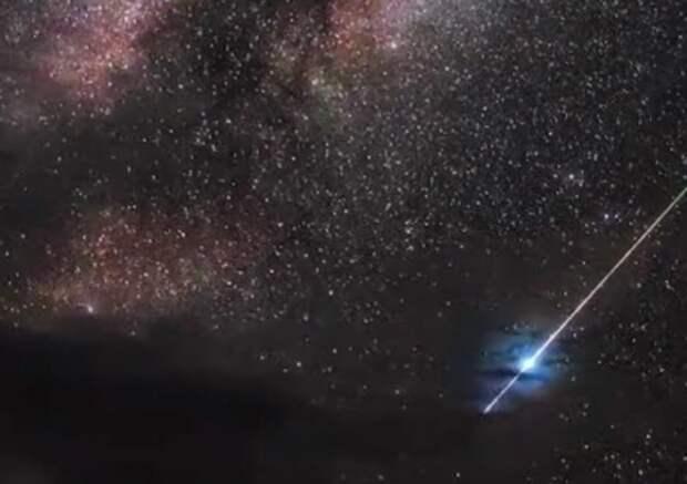 Неспящие израильтяне увидели над Хайфой обломки китайской ракеты. ВИДЕО