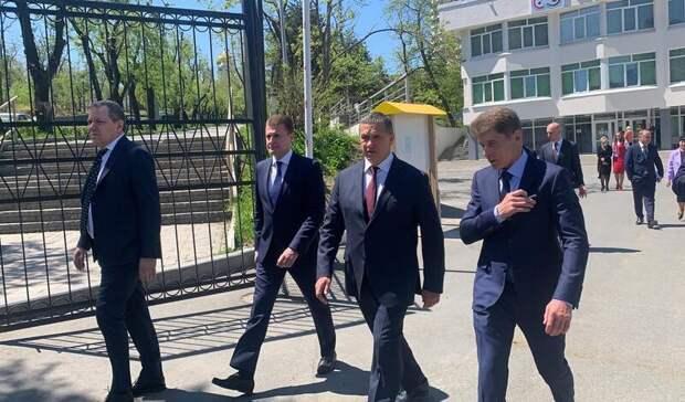 Юрий Трутнев воВладивостоке: «Ябы взял зашиворот имордой засунул»