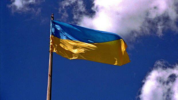 Политолог назвал причину нищеты украинцев