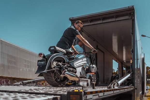 Мотоцикл, сломавший ход времени