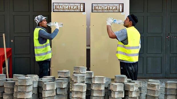 Амнистию миллионам нелегалов в России продлили. А дальше как?