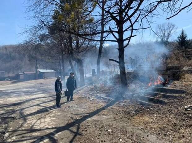 Поджигательницу застали на месте преступления спасатели в п. Лондоко ЕАО