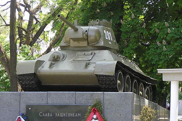 Разработка танкового огнемета АТО-41 началась 80 лет назад