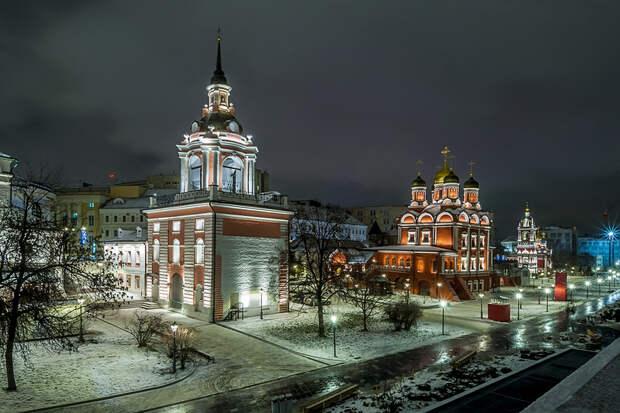 Знаменский монастырь и Георгиевская церковь (парк Зарядье)