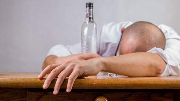 Запрет на продажу алкоголя в выходные и праздничные дни обсудят в «Патриоте»