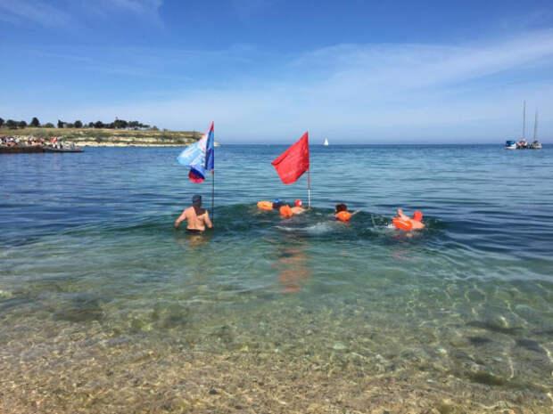В Севастополе состоялся марафонский заплыв в честь Дня Победы