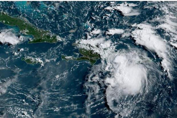 На США обрушился тропический шторм