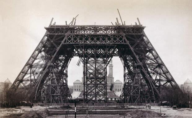 5. Строительство Эйфелевой башни в 1888 году. история, мир, фотография