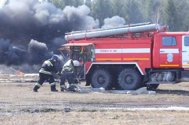 Ликвидировать за сутки все природные пожары потребовал губернатор Травников