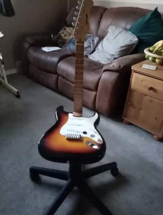 стул из гитары