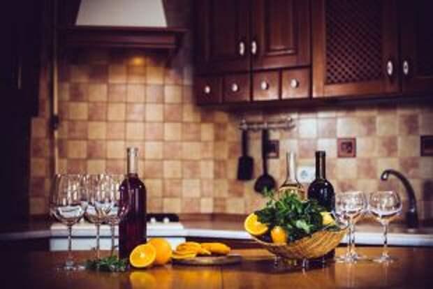 Зачем нужен алкоголь на кухне. 4 важных приема