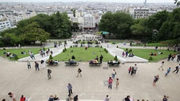 Туристическая индустрия Франции терпит убытки от терактов и забастовок