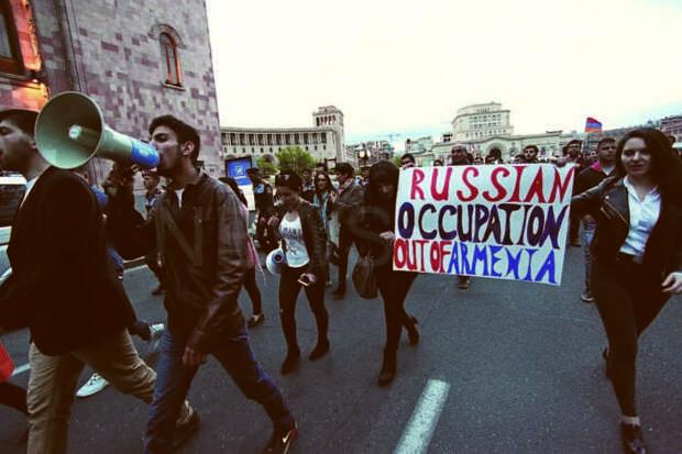 Le Monde: азербайджанцы обеспокоены возвращением России