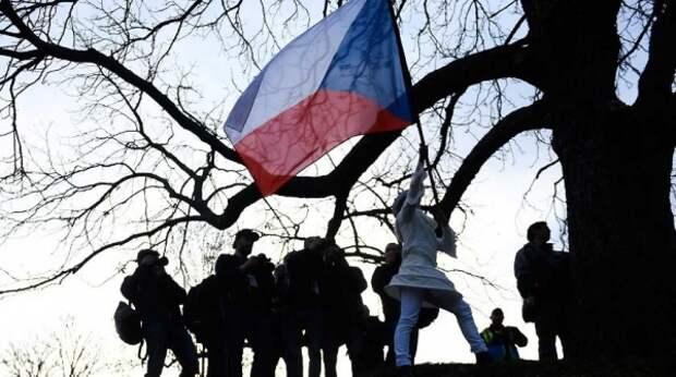 Проиграл здравый смысл: чешский журналист раскритиковал Прагу за скандал с Москвой