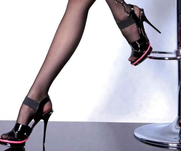 Колготки с босоножками - это не плохо, а стильно!