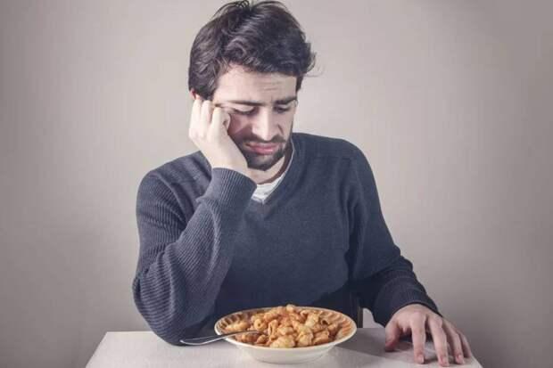 Себе приготовили вкусный ужин, а зятю выставили на стол макароны без масла: он и на них не заработал