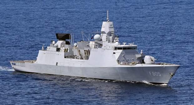 Стало известно имя британского служащего, потерявшего секретные бумаги об остановленном возле Крыма эсминце