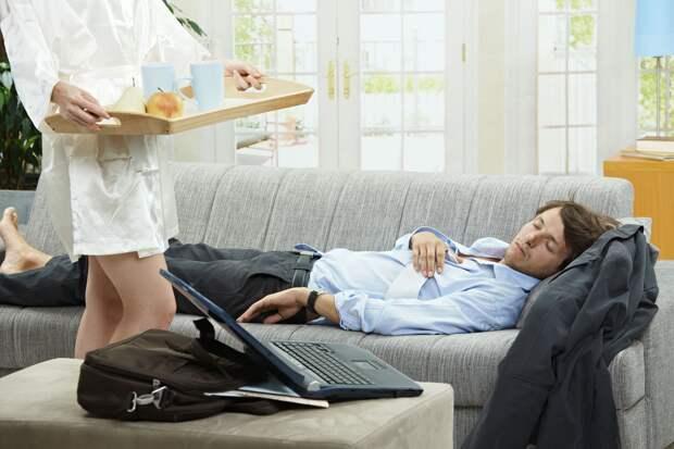 Зачем  мужчины  так  настойчиво заманивают женщин  в сожительство?