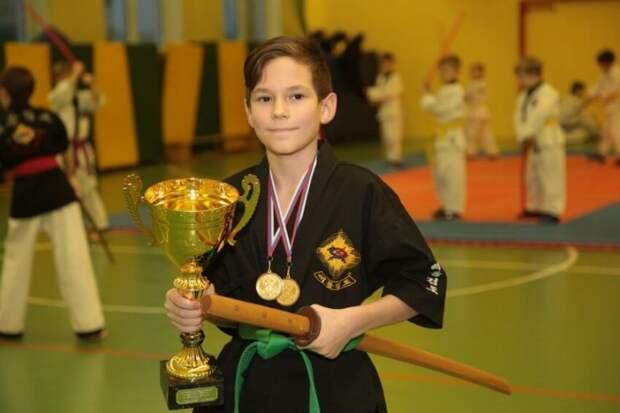 Юный спортсмен из САО выиграл чемпионат России по корейскому фехтованию