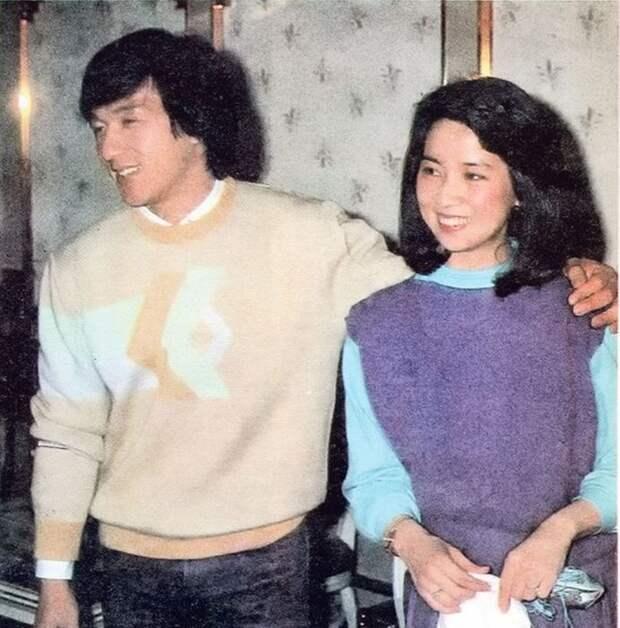 Джеки Чан и Джоан Линь. / Фото: www.endehoy.com