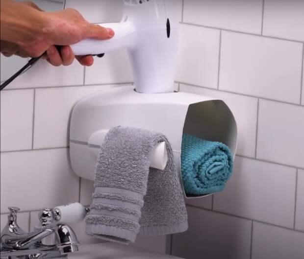 Простое и функциональное решение для ванной комнаты. /Фото: youtube.com