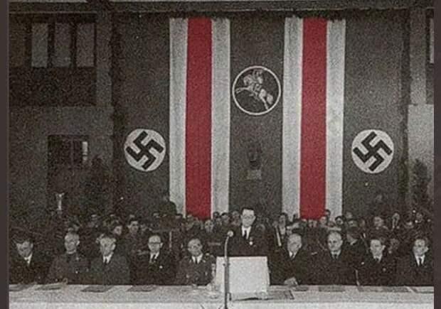 Приравнять змагарский флаг к нацистской символике