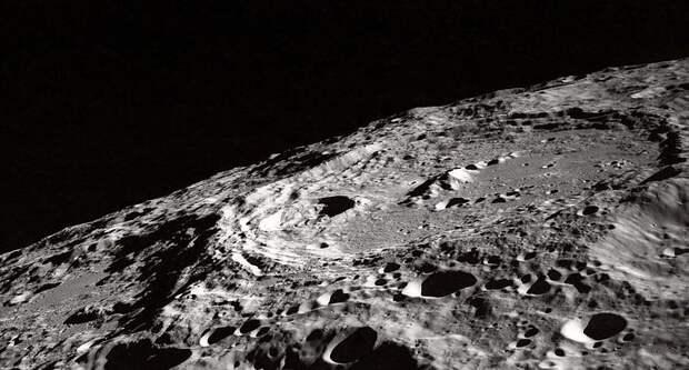 Роскосмос будет работать на Луне, не вступая в «соцсоревнование» с НАСА
