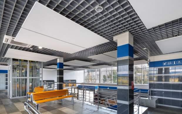 Потолок и светильники фирмы Грильято