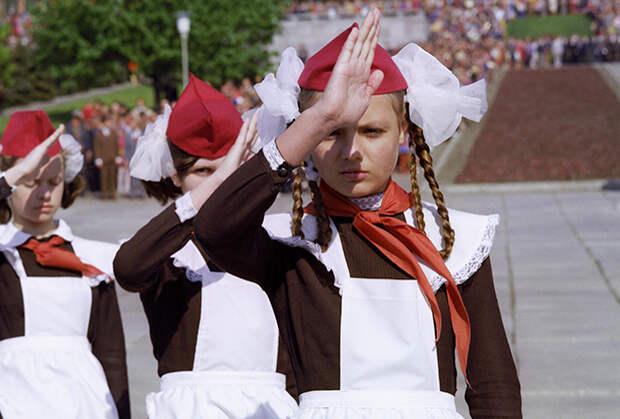 «Придурки штурмуют макет Рейхстага»