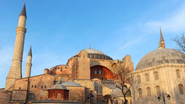 Турецкие силовики задержали восемь предполагаемых пособников ИГИЛ в Стамбуле
