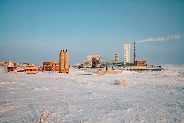 """Шахта """"Комсомольская"""" - одна из четырех работающих шахт в окрестностях Вокруты"""