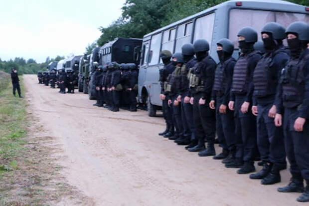 Россия отвела силовиков от границы Белоруссии